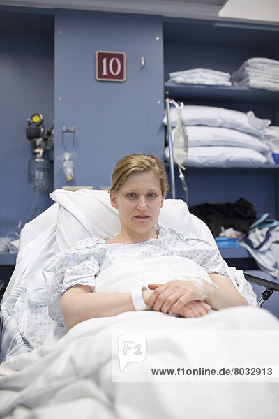 Frau  Zimmer  Krankenhaus  Bett  Kanada  Manitoba  bergen  Winnipeg