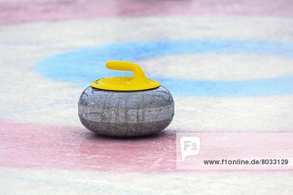 Felsbrocken  Curling  Fluss  The Forks  Winnipeg  Assiniboine  Kanada  gefroren  Manitoba  Winnipeg