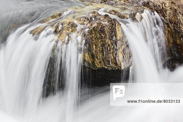 treten  Fluss  Wasserfall  Yoho Nationalpark  British Columbia  Kanada