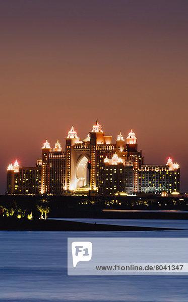 View of Atlantis Hotel at dusk  Dubai  United Arab Emirates