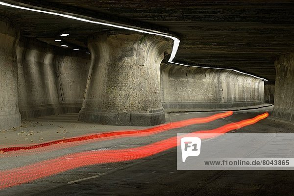 Nacht  Tunnel  Beleuchtung  Licht  Lichtstrahl  Duisburg  Deutschland  Nordrhein-Westfalen Nacht ,Tunnel ,Beleuchtung, Licht ,Lichtstrahl ,Duisburg ,Deutschland ,Nordrhein-Westfalen