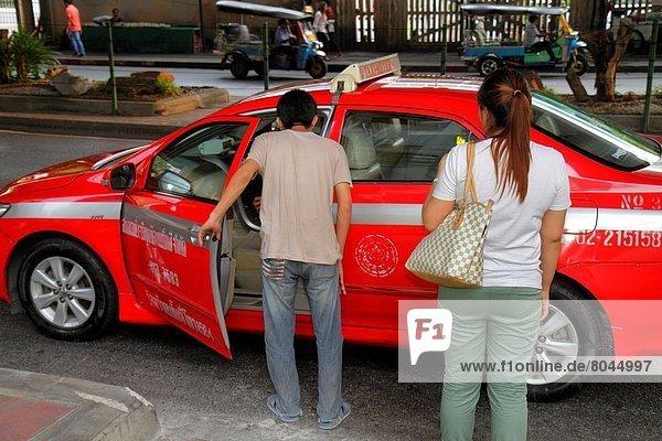 Bangkok  Hauptstadt  Frau  Mann  Taxi  Thailand