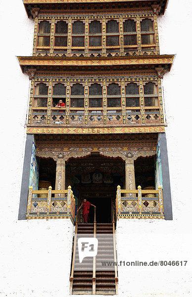 Young Monks At Punakha Dzong  Punakha   Bhutan  © Chris Caldicott/Axiom