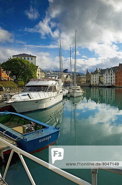 Harbor  Alesund  More og Romsdal  Norway