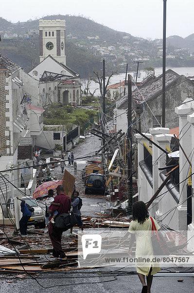 sehen  Straße  Kathedrale  Vernichtung  Grenada  Hauptstadt  Hurrikan