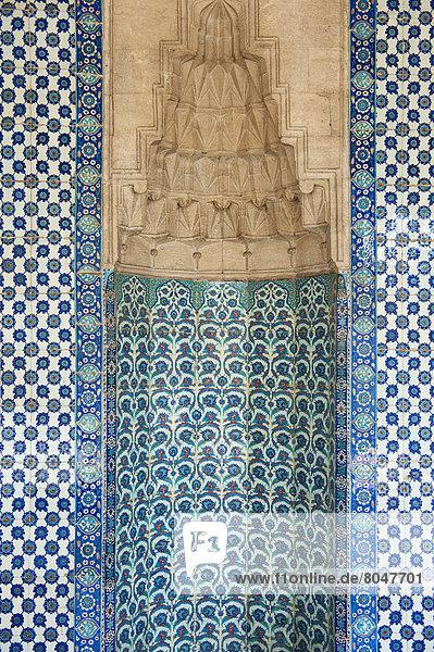 Fliesenboden  Truthuhn  Detail  Details  Ausschnitt  Ausschnitte  Farbaufnahme  Farbe  Zimmer  Istanbul  Moschee  Türkei