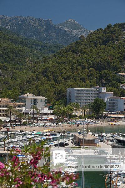 Fischereihafen  Fischerhafen  Hafen  Strand  Ansicht  Mallorca  Spanien