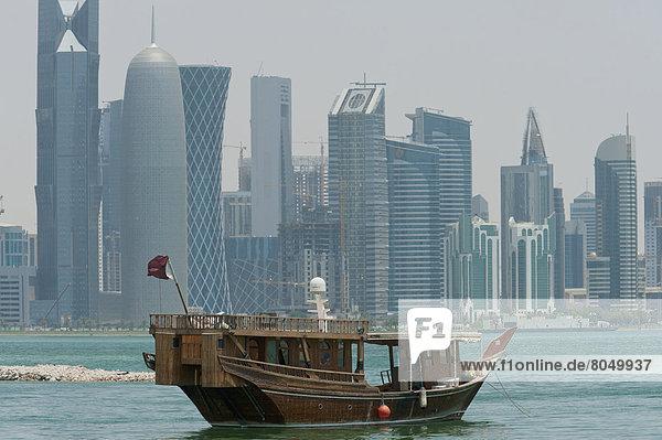 Skyline Skylines Großstadt frontal Doha modern