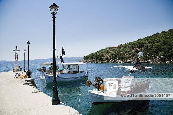 Hafen Tradition klein Boot vertäut Griechenland
