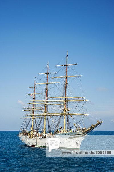 Brasilien  Pernambuco  Segelboot
