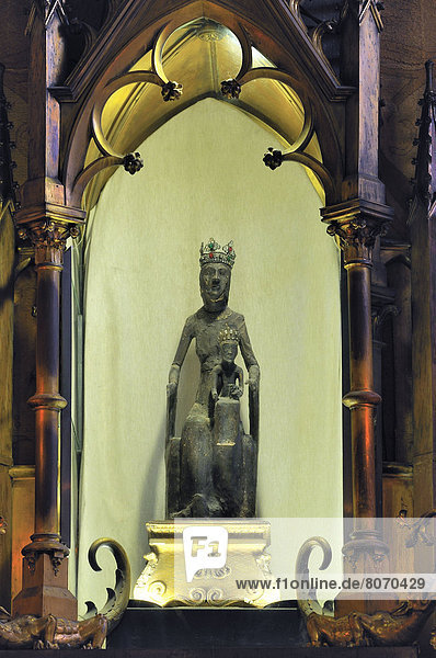 Jungfrau Maria  Madonna  schwarz  Religion  Statue  Regenwald  Wallfahrt  Rocamadour  Weg