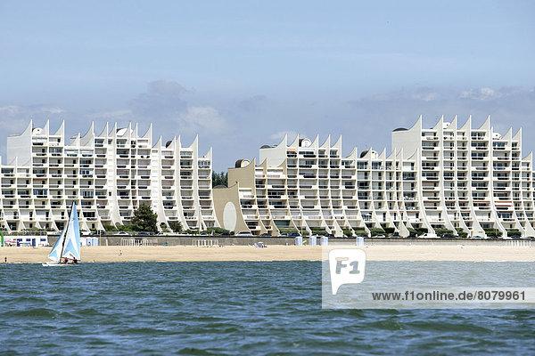 Feuerwehr Form Formen Europa Schönheit Gebäude Ufer Apartment 1 vorwärts sprechen Loire