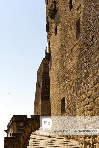 Freitreppe im Castel dell'Ovo