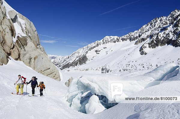 Frankreich  Europa  Tagesausflug  Ski  Französische Alpen  Zimmer  Skipiste  Piste  Haute-Savoie