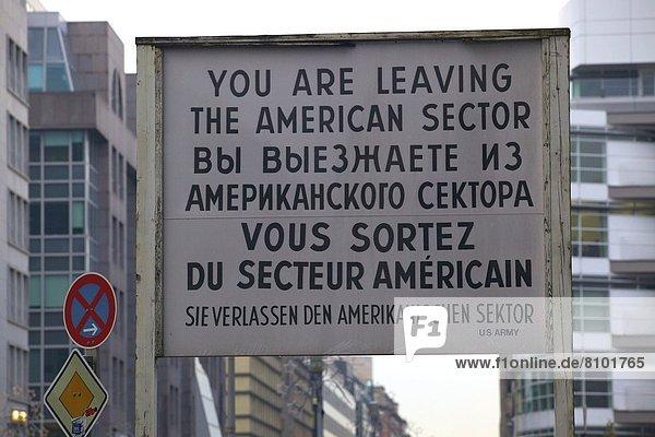 Checkpoint Charlie  Berlin  Deutschland  Europa