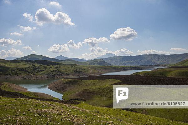 Stausee von Darbandikhan  künstlicher See an der Grenze zum Iran
