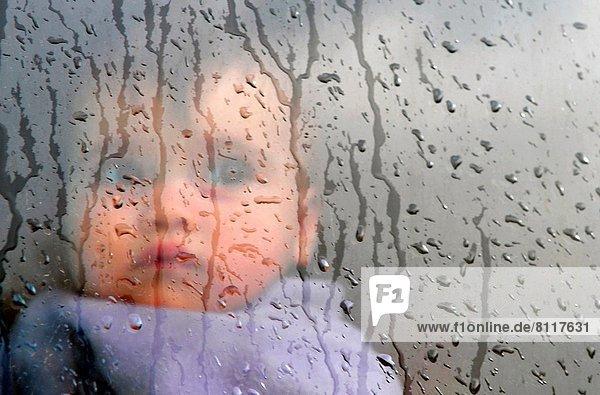 Fenster  klein  Regen  Baby