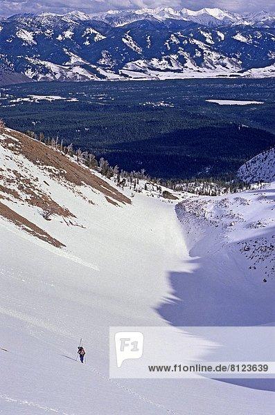 hoch  oben  Berg  Winter  4  nähern  Mittelpunkt  Klettern  Berggipfel  Gipfel  Spitze  Spitzen  Urteil  Stärke  Idaho  Westen  Williams