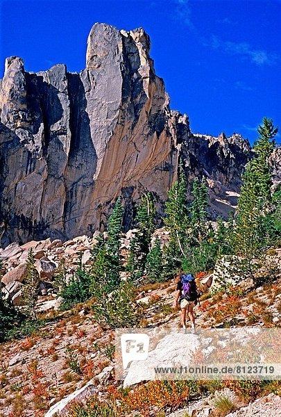 hoch  oben  Berg  Ehrfurcht  wandern  Mittelpunkt  Klettern  Stärke  Idaho