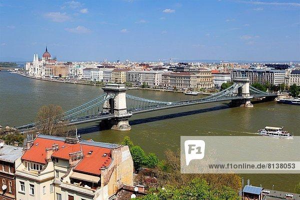 Kettenbrücke  Budapest  Ungarn.