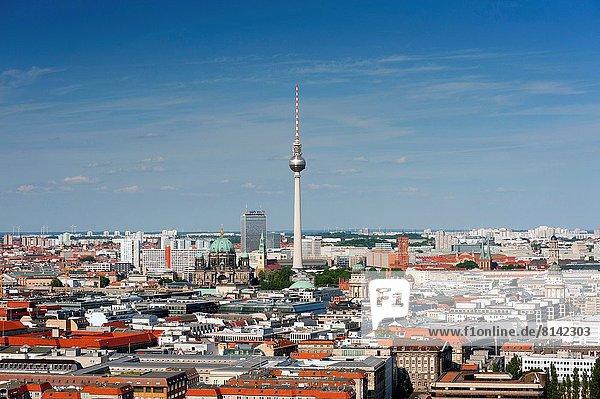 Skyline  Skylines  Berlin  Hauptstadt  Fernsehen  Stuttgarter Fernsehturm  Deutschland
