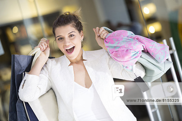 Einkaufszentrum  Europäer  Frau  kaufen