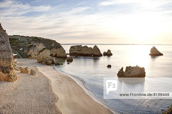 Portugal  Blick auf die Küste am Strand