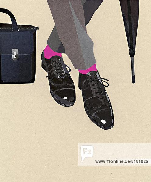Schuhe  Strümpfe und Hose eines Geschäftsmannes