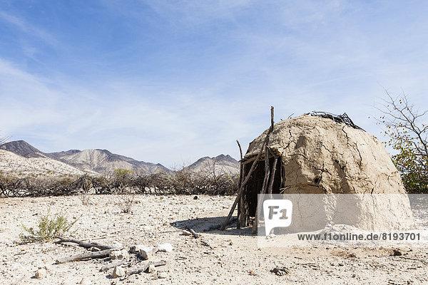 Lehmhütte der Himba