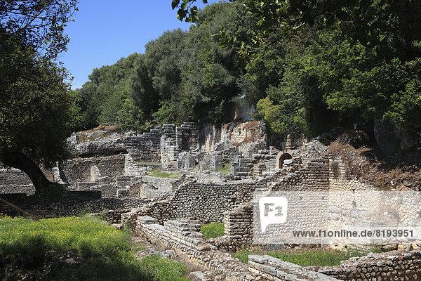 Schatzhaus des Asklepios-Heiligtums in der Ruinenstadt Butrint  UNESCO-Weltkulturerbe