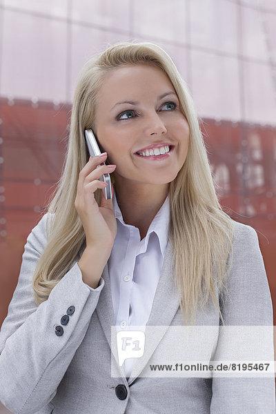 benutzen  Geschäftsfrau  Handy  Schönheit  Gebäude  Telefon  Büro  jung