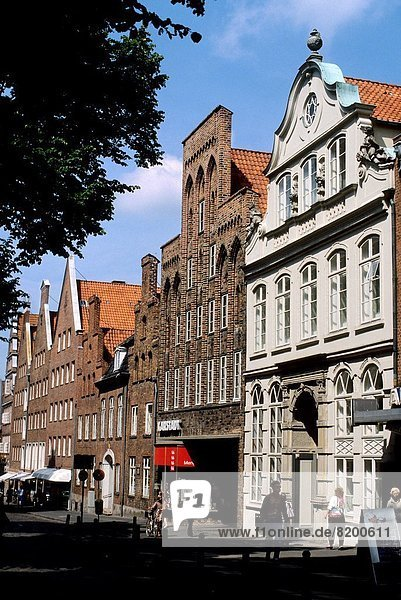 W. GERMANY  LUBECK  OLD MERCHANT HOUSES.