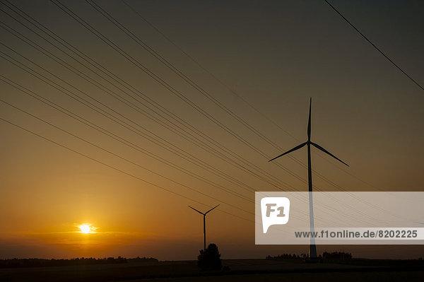 Windturbine Windrad Windräder Sonnenuntergang Stärke
