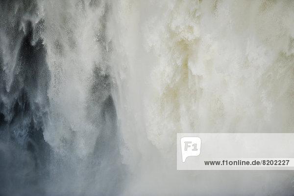 Wassermassen  Wasserfall