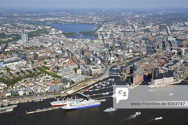 Sicht von der Elbe bis zur Alster  Hafen und Speicherstadt  Luftbild