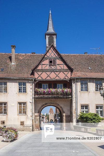 Tor Porte du Milieu und Schule École Hohenbourg