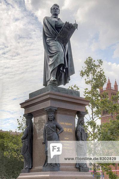 Karl Friedrich Schinkel Denkmal auf dem Schinkelplatz