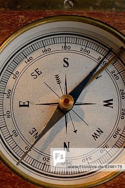 Antikes Kompass