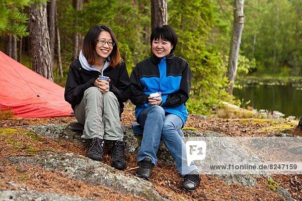sitzend  Wald  Tourist  2