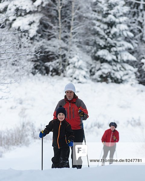 überqueren  Sohn  Skisport  Mutter - Mensch  Kreuz