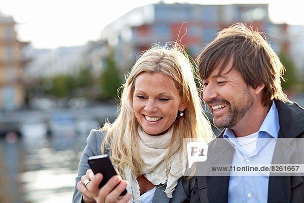Zusammenhalt  benutzen  Telefon  Handy