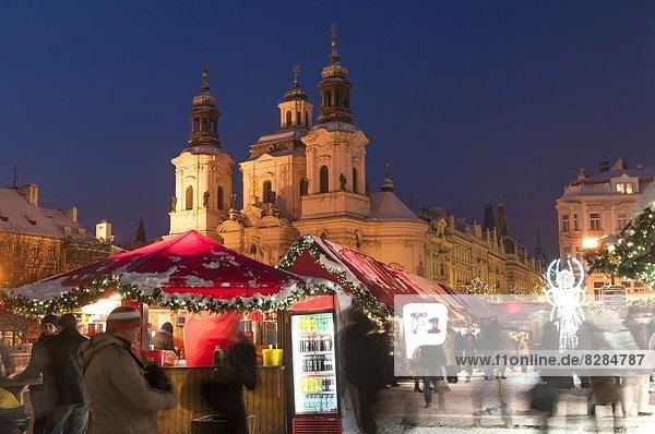 Prag Hauptstadt Europa bedecken Weihnachten Tschechische Republik Tschechien Barock Markt Schnee