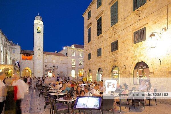 Europa Restaurant Uhr UNESCO-Welterbe Kroatien Dalmatien Dubrovnik Abenddämmerung