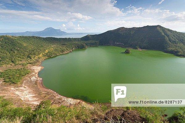über  See  Vulkan  Ansicht  Philippinen  Krater