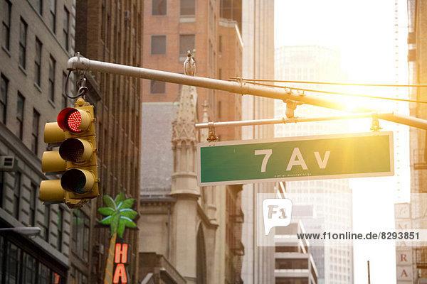 Nahaufnahme des Schildes 7th Avenue  New York  Staat New York  USA Nahaufnahme des Schildes 7th Avenue, New York, Staat New York, USA