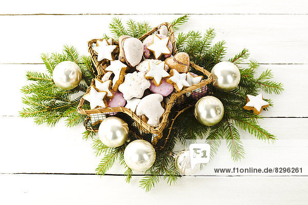 Christmas cookies in a star-shaped basket
