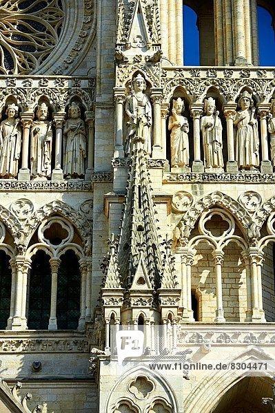 Frankreich  Kathedrale  Fassade  Statue  Gotik  Amiens