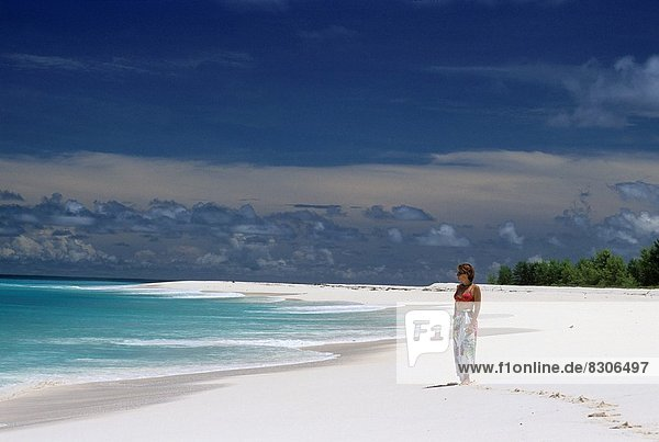 Frau  Strand  Insel  Vogel  jung  Indischer Ozean  Indik
