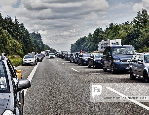 Rettunsgasse auf der Autobahn  Bayern  Deutschland  Europa