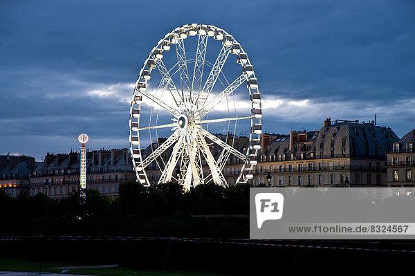 Riesenrad im Jardin des Tuileries  Paris  Frankreich